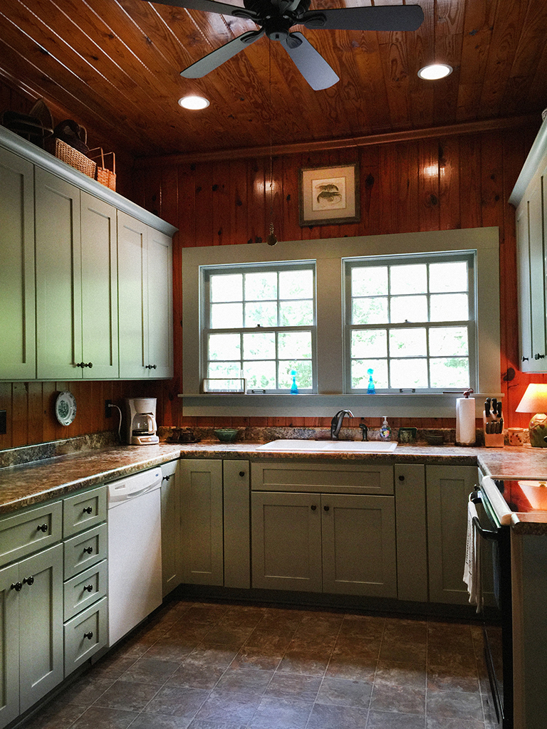 The Cabins Latest Renovation Was To Quaint Little Kitchen New Tall Cabinets With An Elegant Green Play Off Colors Of Heart Pine Walls And